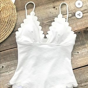Cupshe one piece bathing suit NEW NEVER WORN
